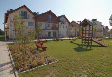 Nieruchomości wrocław - domy Siechnice, widok na plac zabaw