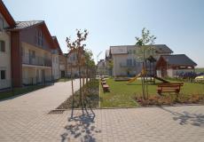 Lokale we wrocławiu - domy Siechnice, widok na plac zabaw