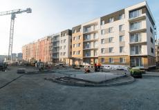 Osiedle Lokum di Trevi - etap VI, prace przy elewacji i nad zagospodarowaniem terenu